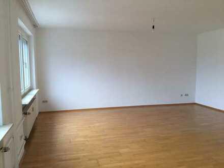 760 €, 105 m², 3 Zimmer
