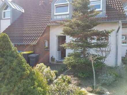 Schönes Haus mit vier Zimmern, Garten ideal für Kinder