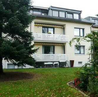 Moderne 2-Zimmerdachgeschosswohnung mit Balkon in Köln-Zündorf.