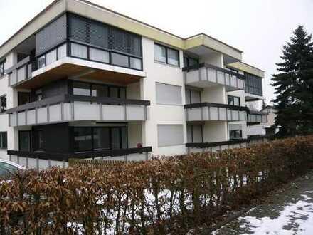 Helle gepflegte 2,5 Zi. Wohnung mit EBK, gr. Balkon, Autostellplatz in Ehningen