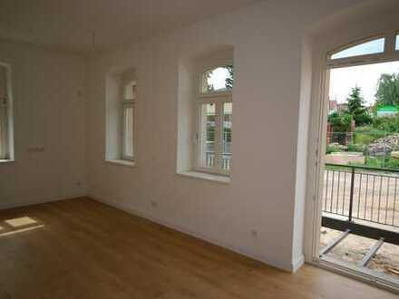 * Erstbezug! sonnige Wohnung mit großem Balkon und moderner Ausstattung *
