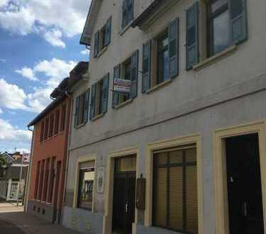 Zweifamilienhaus mit Gewerbeeinheit in Westhofen