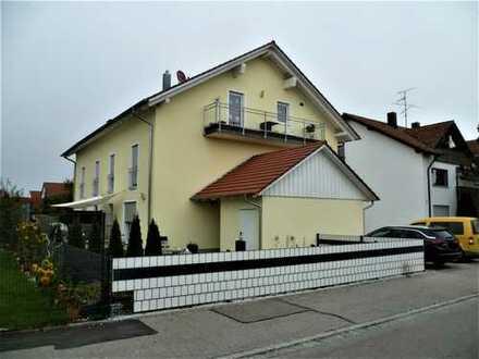 Moderne 5-Zimmer-DG-Wohnung mit Balkon und Garten in ruhiger Lage von Klosterlechfeld