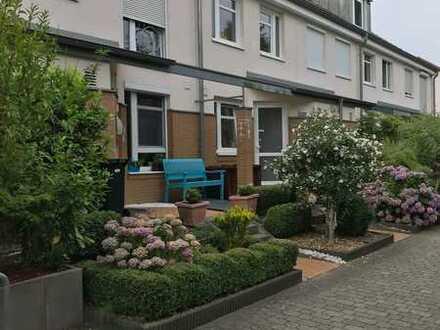 Sonniges Reihenhaus - 4 Zimmer in Bremen, Weidedamm - direkt am Bürgerpark im Grünen!