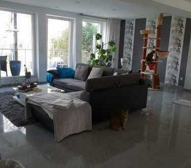 Moderne 3-Zimmer-Erdgeschosswohnung mit Balkon und Gartenin Lindweiler, Köln