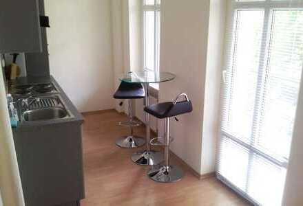 Bestlage Charlottenburg, Balkon, ca. 35m², Hinterhaus, nahe Savignyplatz, maklerfrei, 259.000,--€.