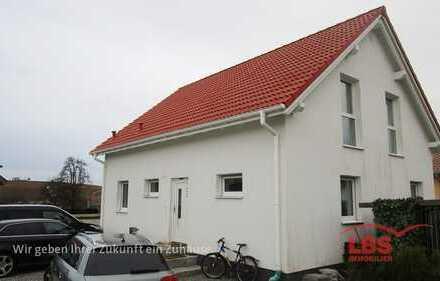 Charmantes Einfamilienhaus mit großem Grundstück