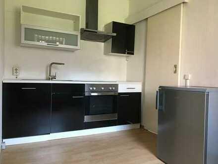Schöne 1-Zimmer-Hochparterre-Wohnung in Greifswald mit Balkon und Einbauküche (VB 800 €)