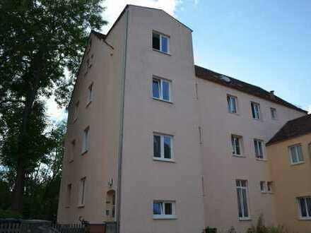 Sanierte 2,5 Zimmer mit Wohnküche, EBK wird noch eingebaut und ist im Mietpreis bereits enthalten Ba