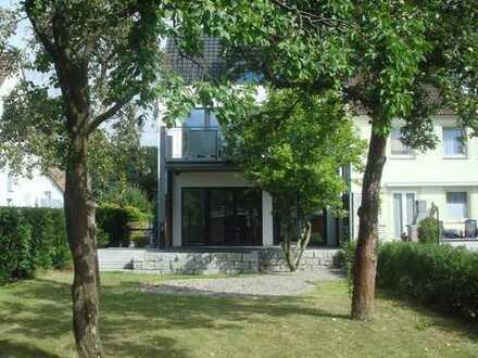 Exklusive, neuwertige 2-Zimmer-Wohnung mit Balkon stadtnah am kleinen Schillerteich