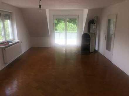 Modernisierte 4-Zimmer-DG-Wohnung mit Einbauküche & großer Terrasse in Bodelshausen