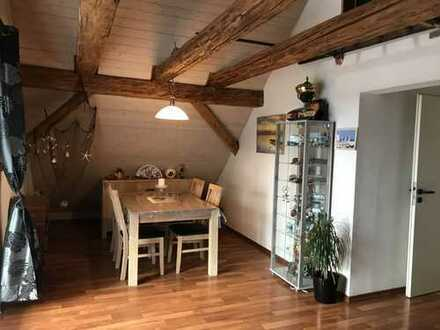 Charmante 2-Zi. DG-Whg.+Büro/Gästezimmer mit herrlichem Blick ins Salemer Tal in Salem-Neufrach!!
