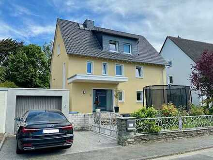 Sehr grosses Familienhaus mit Pizza-ofen; very large family home with wood-fired oven. Preis flex