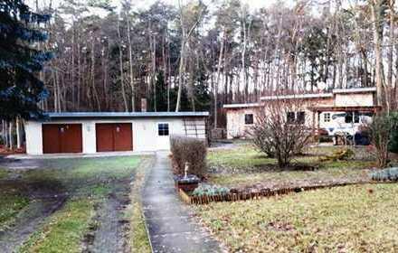 Super Grundstück am Wald bebaut mit Ferienhaus und Nebengelass als Wohn- oder Ferienhaus nutzbar