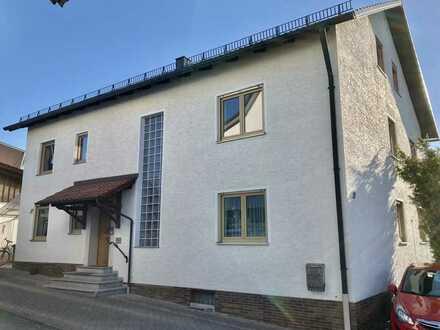 Erstbezug nach Sanierung mit Balkon: 4-Zimmer-Wohnung in Schnaittenbach