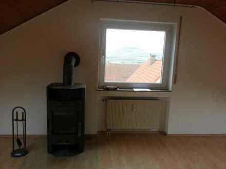 Schöne 3-Raum-Dachgeschosswohnung mit EBK und Balkon in Bopfingen