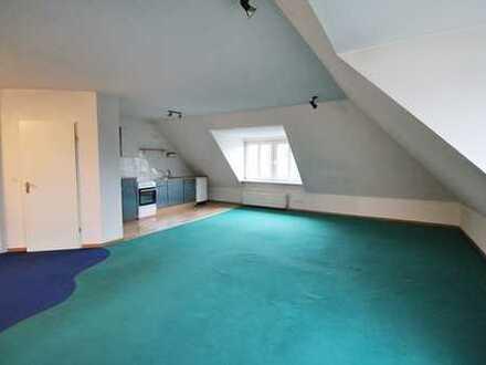 helle & großzügige Dachgeschosswohnung in Burglesum