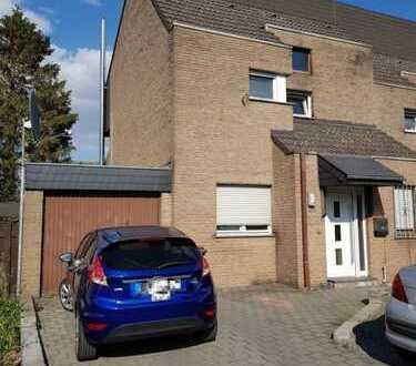 Doppelhaushälfte mit Wintergarten und Garage in ruhiger Sackgasse