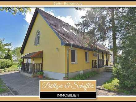 Bezugsfreie 1-Zimmer-Dachgeschoss-Wohnung mit Spitzboden & eigenem Gartenanteil