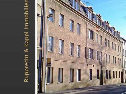 Renovierungsbedürftiges Mehrfamilienhaus mit 22 Wohneinheiten in Plauen