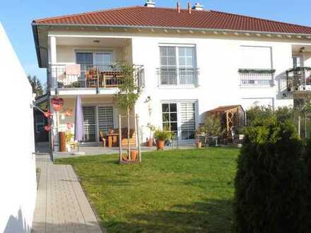 Neuwertige 3-Zimmer-EG-Wohnung mit Terrasse und Garten in Burtenbach