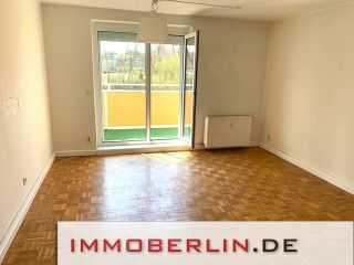 IMMOBERLIN: Lichtdurchflutete Wohnung mit Südbalkon beim Filmpark nahe Griebnitzsee