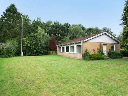 Einfamilienhaus mit gutem Grundriss sowie ansprechender Lage zu einem kleineren Waldgebiet...