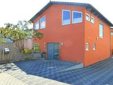 Modernes ruhig gelegenes Niedrigenergiehaus mit EBK, Garten und Stellplatz zu vermieten