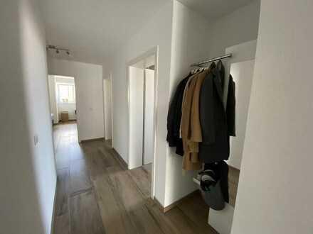 Exklusive, neuwertige 4-Zimmer-Wohnung mit großem Balkon in Kuppenheim