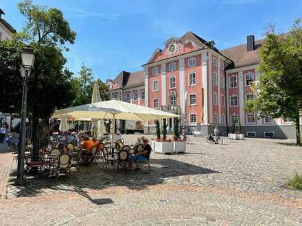 Ladengeschäft/ Gastronomie auf dem Schlossplatz - Saniert und sofort bezugsfrei !