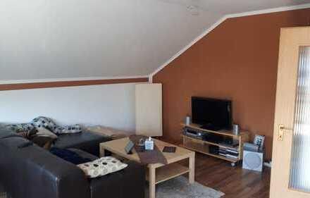 Modernisierte 3-Zimmer-Dachgeschosswohnung mit Balkon und Einbauküche in Rheine