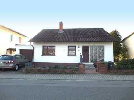 Freistehendes Einfamilienhaus in Feldrandlage inklusive Burgenblick