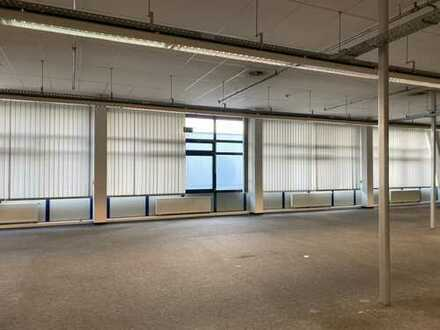 1.700 qm Büro/Studio/Lager/Handelsfläche in etabliertem Gewerbe- und Fachmarktzentrum, teilbar