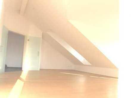 Wunderschöne Luxus Whg140m² Dachgeschoß 4-Balkone 2-Bäder Aufzug fährt in die Wohnung www.HARTL.immo