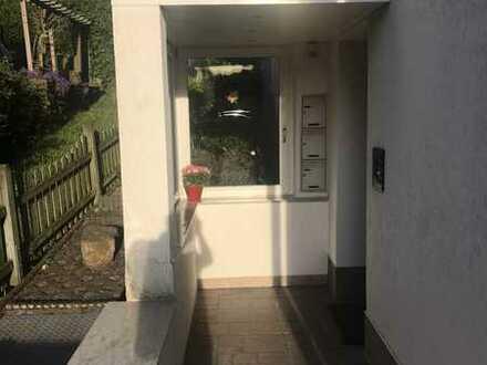 Schöne, sehr gepflegte 2-Zimmer-EG-Wohnung zur Miete in ruhiger, grüner Lage in Wuppertal