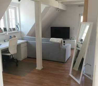 Stilvolle, neuwertige 1,5-Zimmer-DG-Wohnung mit EBK in Geislingen an der Steige