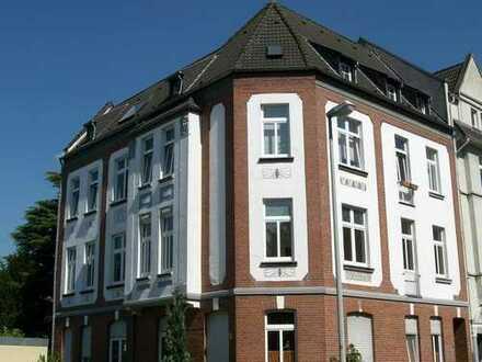 4 Zimmer EG-Wohnung in Jugendstilhaus (ruhige Strasse) mit Blick ins Grüne