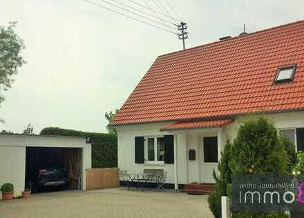 Perfekt für die kleine Familie, mit zusätzlichem Garagenplatz fürs Wohnmobil!