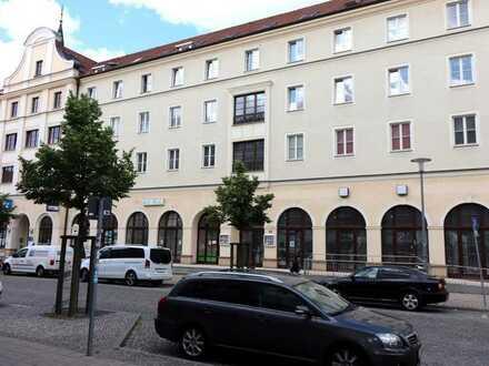 Gastronomie/Gewerberäume im Erdgeschoss eines Wohn- und Geschäftshauses im Stadtzentrum