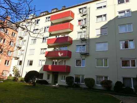 Stilvolle, gepflegte 2,5-Zimmer-Wohnung mit Balkon und EBK in Sendling-Westpark, München von Privat