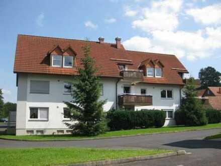 Schön gelegene 3-Raum-Dachgeschosswohnung mit Balkon in Wutha