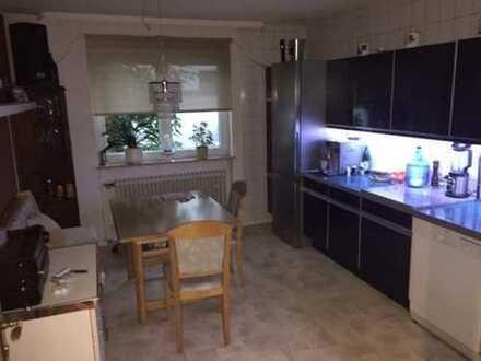 Zimmer in EFH für Wochenendheimfahrer Nähe BMW und O2