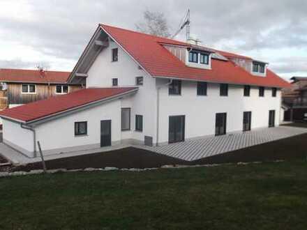 ERSTBEZUG, schönes geräumiges Doppelhaus in ruhiger Lage.