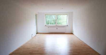 Wohnen in einer hellen großzügigen 2 Zimmerwohnung mit Balkon wird vollständig renoviert!!