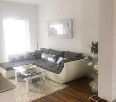 Moderne und sanierte 2-Zimmer Wohnung mit Balkon zu vermieten!