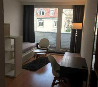 Möblierte 1-Zimmer-Wohnung mit Balkon und EBK in Bayenthal
