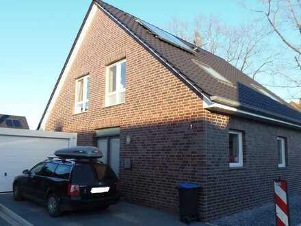 Modernes Einfamilienhaus ,Garten,Garage,Gartenhütte