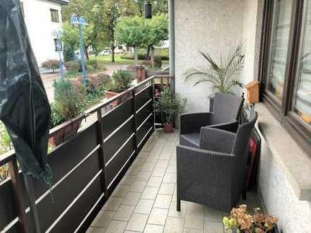 Gepflegte 2 Zimmer Erdgeschoss Wohnung mit großem Balkon