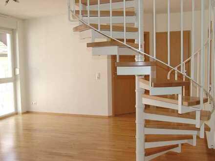 POCHERT IMMOBILIEN - Wunderschöne Maisonette-Wohnung im Musikerviertel