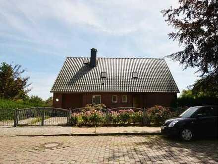 Haus mit großem Grundstück in Wasserlage und Zeitmietvertrag für MAXIMAL 2 Jahre!